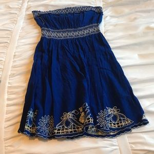 Blue pattern dress